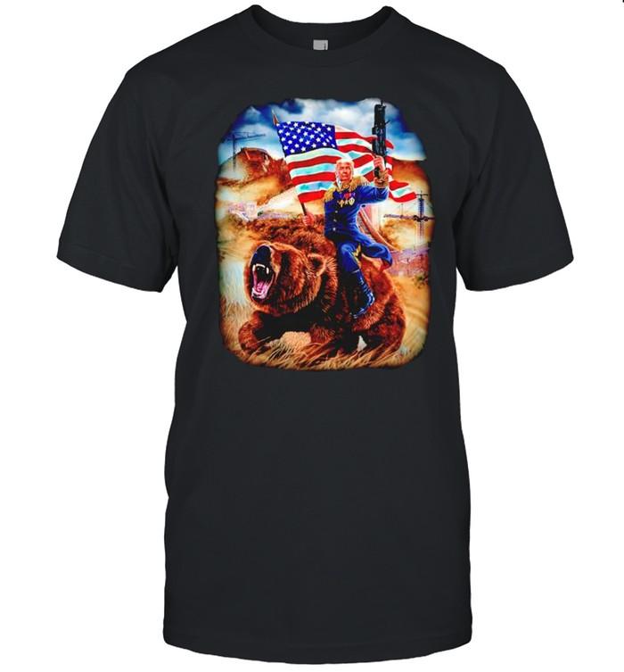 Trump riding bear Independence shirt Classic Men's T-shirt