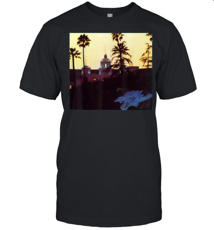 Hotels Californias T- Classic Men's T-shirt