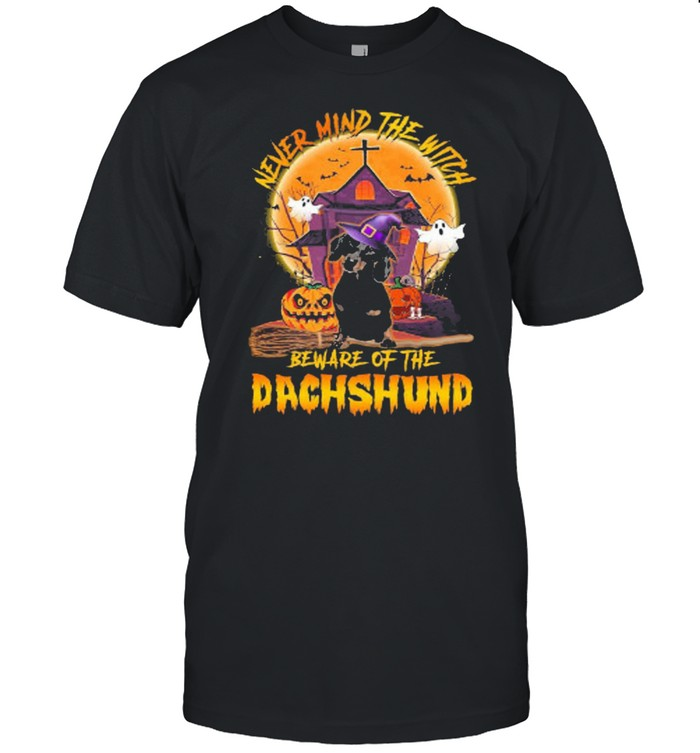 Never mind the witch beware of the dachshund halloween shirt Classic Men's T-shirt